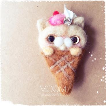 草莓粉紅忌廉雪糕猫