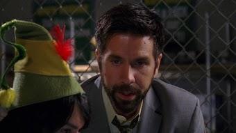 Chuck gegen das Weihnachtsmannkostüm