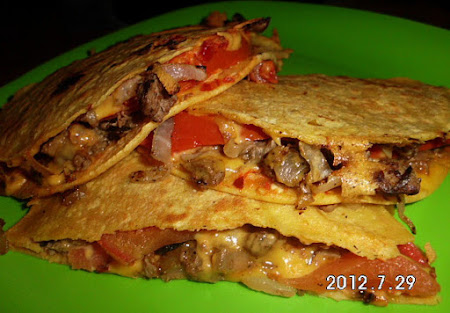 Cheesy corn quesadilla w/steak, tomato and onions Recipe