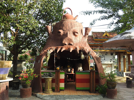 Wat Phrathat Chom Muak Kaeo