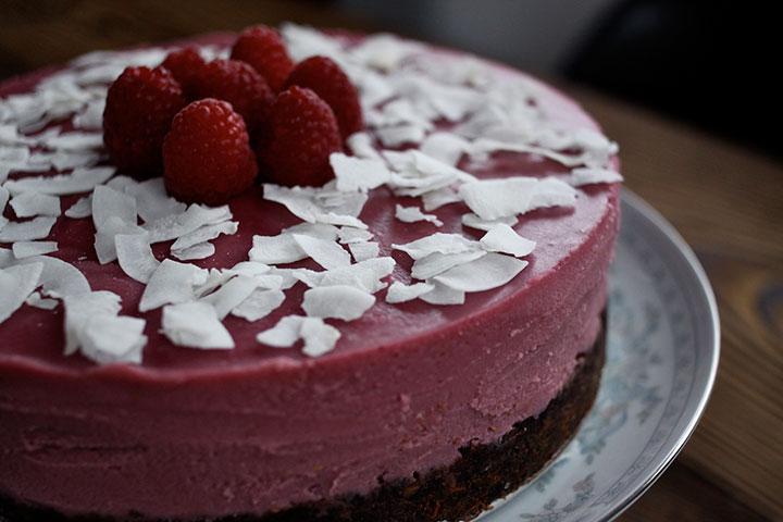 "Coconut-Raspberry ""Cheesecake"""