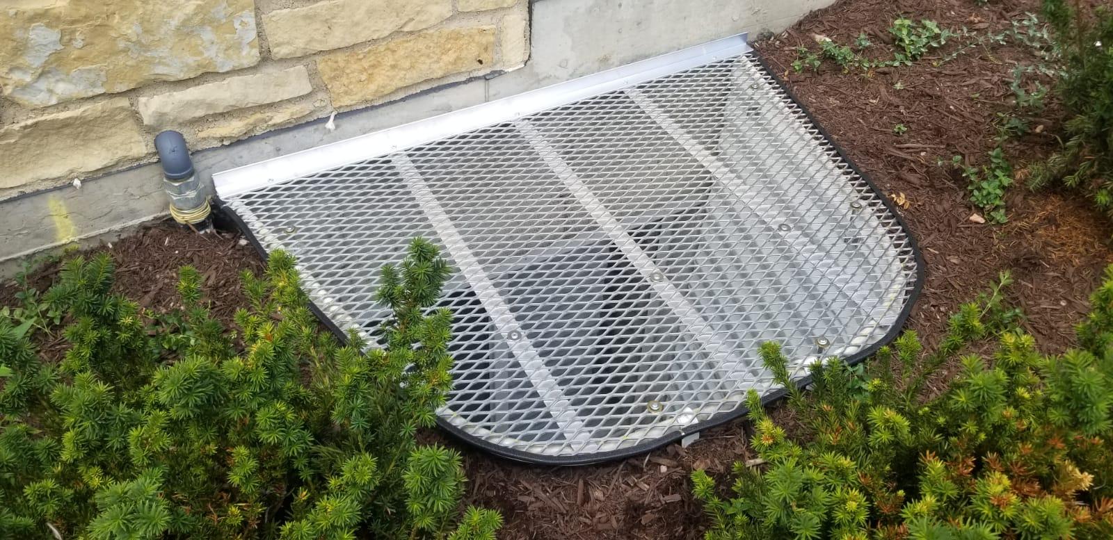 South Barrington , IL-HandyManny Custom Window Well Covers