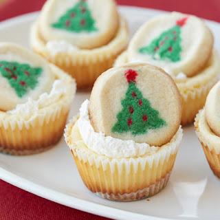 Mini Christmas Cookie Cheesecakes.