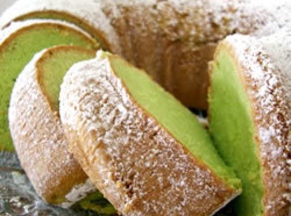 My Saint Patrick's Pistachio Bundt Cake Recipe