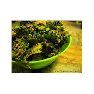 """""""Cheezy"""" Kale Chips."""