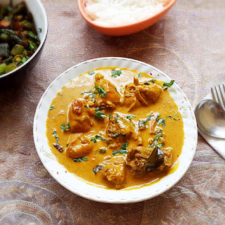 Chicken coconut curry recipe – Chicken with coconut milk and spices.