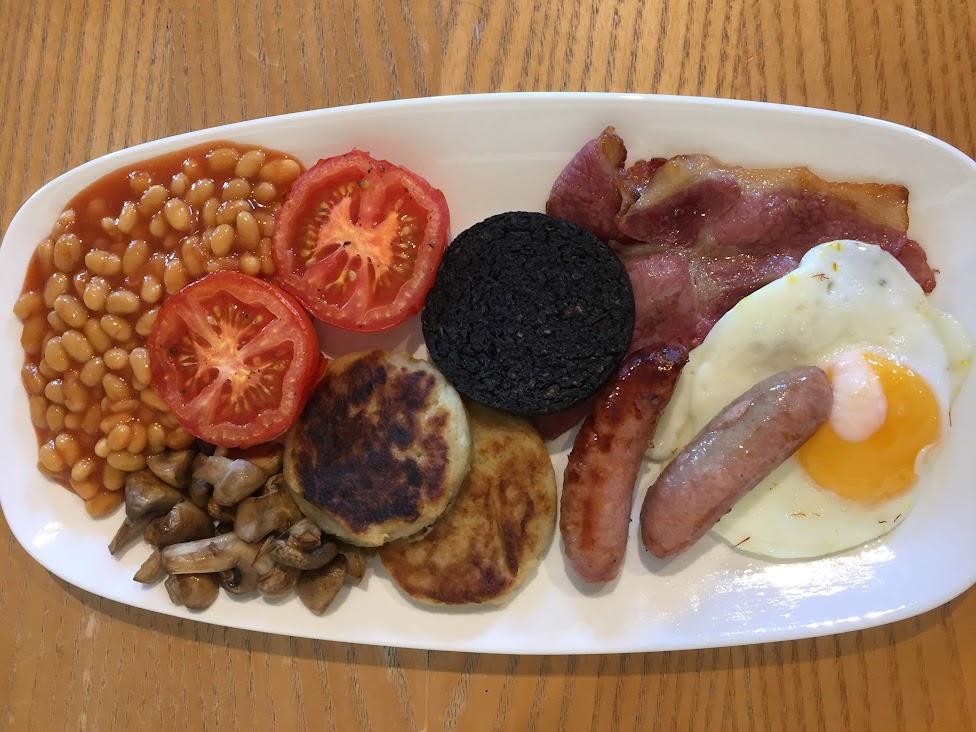 szkockie potrawy, szkockie śniadanie, a full Scottish
