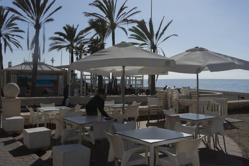 Una de las terrazas del Paseo Marítimo de Almería.