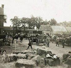 Photo: 1914 - 1918 Militairen op het terrein van de Centrale Werkplaats van BBA te Princenhage