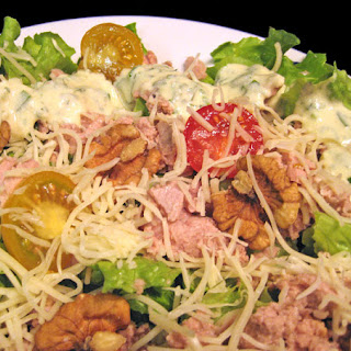 Salad with Tuna, Walnuts, Creamy Herb Dressing