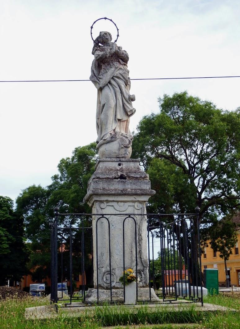 Vép - Immaculata-szobor