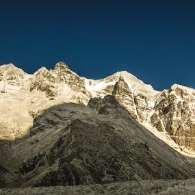 Goecha La Panorama  by Mrigankamouli Bhattacharjee - Landscapes Mountains & Hills ( panorama goecha goechala himalayas himalaya snow sunrise )