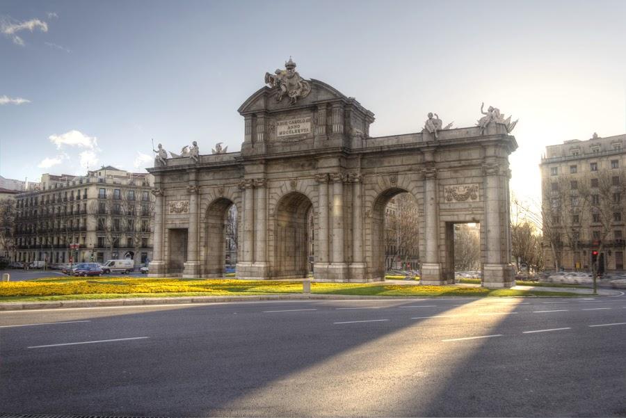 Puerta de Alcalá by Júlio Alves - Buildings & Architecture Statues & Monuments ( madrid, monument, puerta de alcalá, spain )
