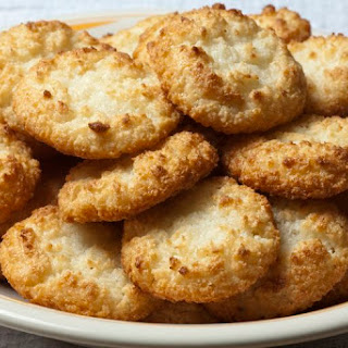 Low-Carb Coconut Macaroons.