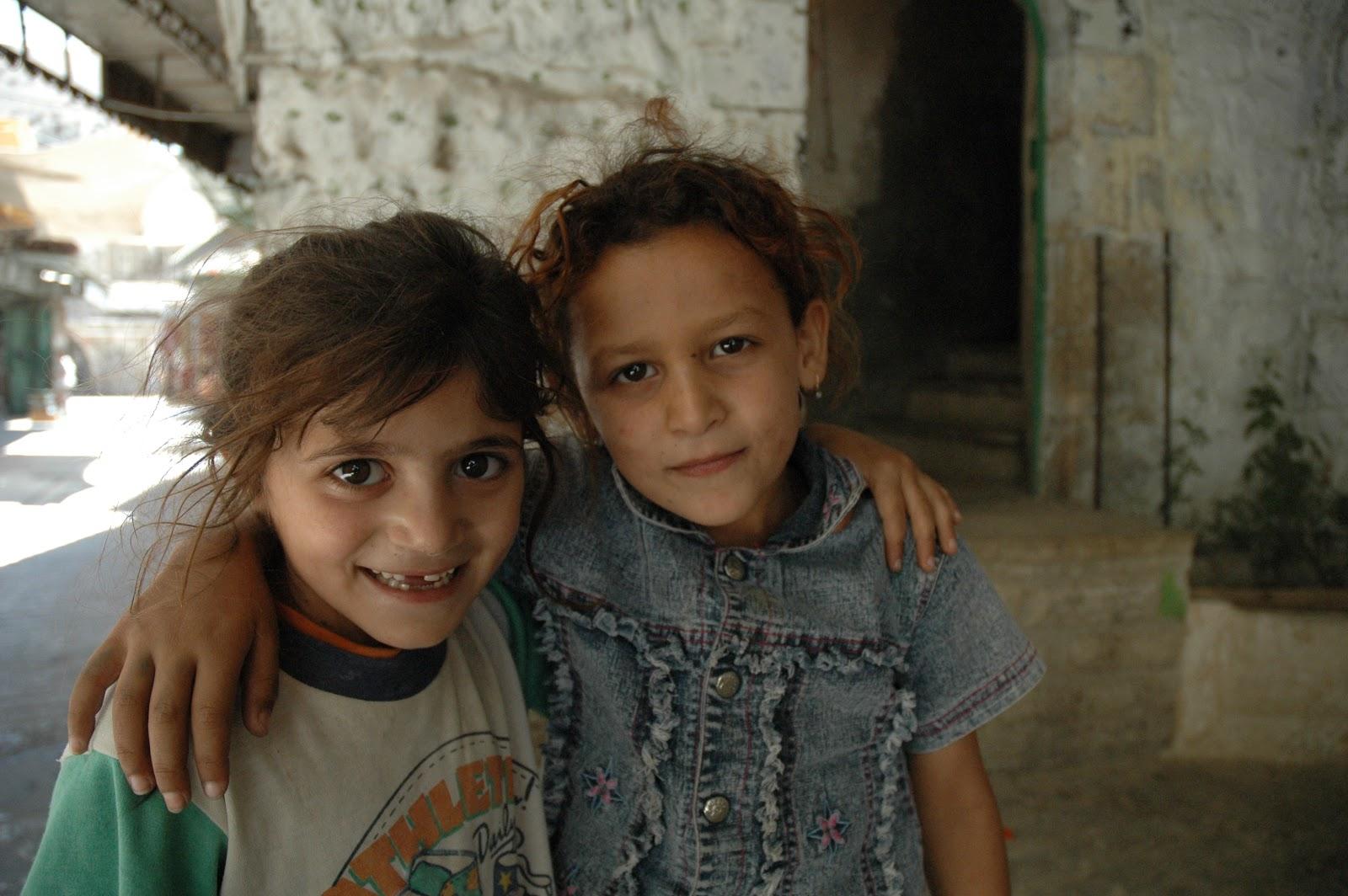 Đức Thánh Cha gửi cứu trợ cho thiếu nhi ở các trại tị nạn Palestine