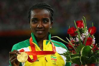 Photo: Tirunesh Dibaba Kenene  Oro en 5000 m lisos Juegos Olímpicos 2012