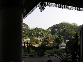 Photo: 4B241572 Birma - Rangun - wyjscie z hotelu