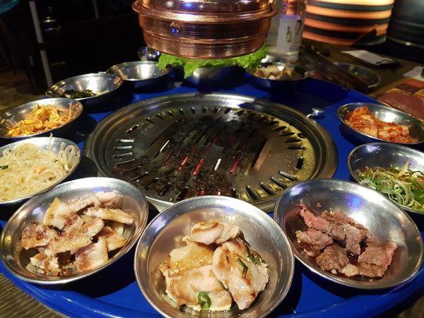 笨豬跳Bungy Jump 台中店|韓式燒肉。不流汗吃燒肉。鏟子裝盤胖G炒麵