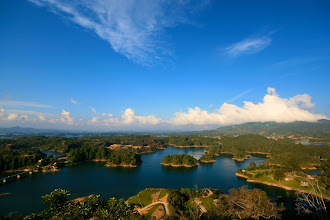 Photo: The reservoir at Guatapé.