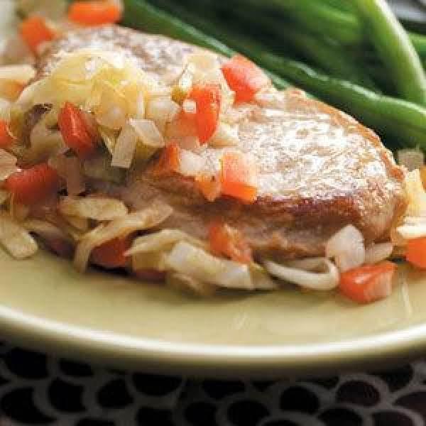 Slow Cooker Pork Chops 'n' Cabbage