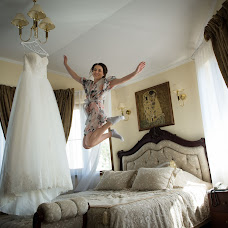 Wedding photographer Katerina Tikhaya (MoonLight060). Photo of 20.12.2015