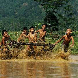 p.a.c.u  l.u.k.u by Ramadhan Bagaskara Arya Parmuka - Babies & Children Children Candids