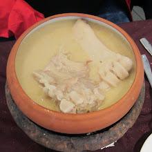 """Photo: Khash-keitto - näitä luita ei sentään tarvitse syödä, ne ovat lähinnä antamassa makua liemeen, joka sitten maustetaan vielä itse suolalla ja valkosipulilla ja """"sakeutetaan"""" lavash-leivällä"""