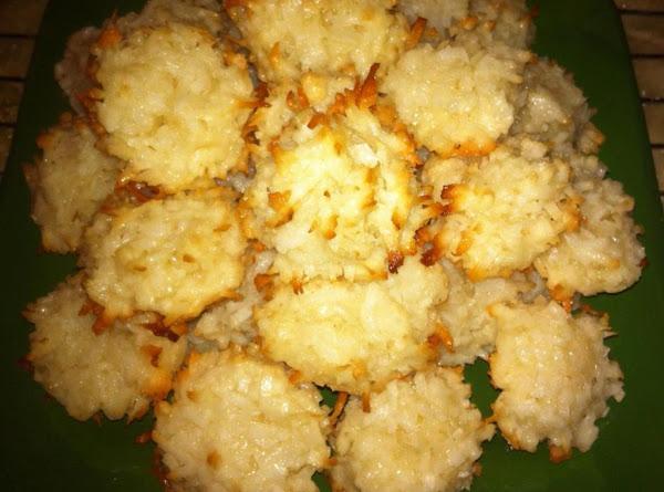 Favorite Coconut Macaroons Recipe