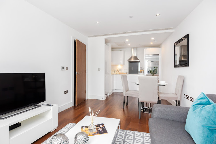Simplistic living room in Lincoln Plaza Serviced Apartments, Canary Wharf, London