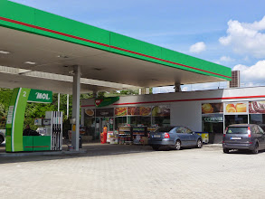 Photo: Gas station near restaurant Tekergö, close to M7, the highway from Velence to Budapest in Hungary.