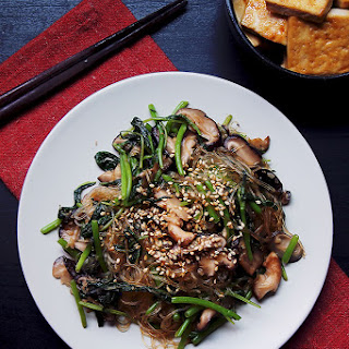 Sesame Glass Noodles Stir-Fry With Vegetables.