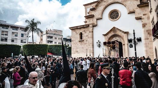 Los almerienses llenaron y se emocionaron con la salida de la Virgen del Rosario del Mar.