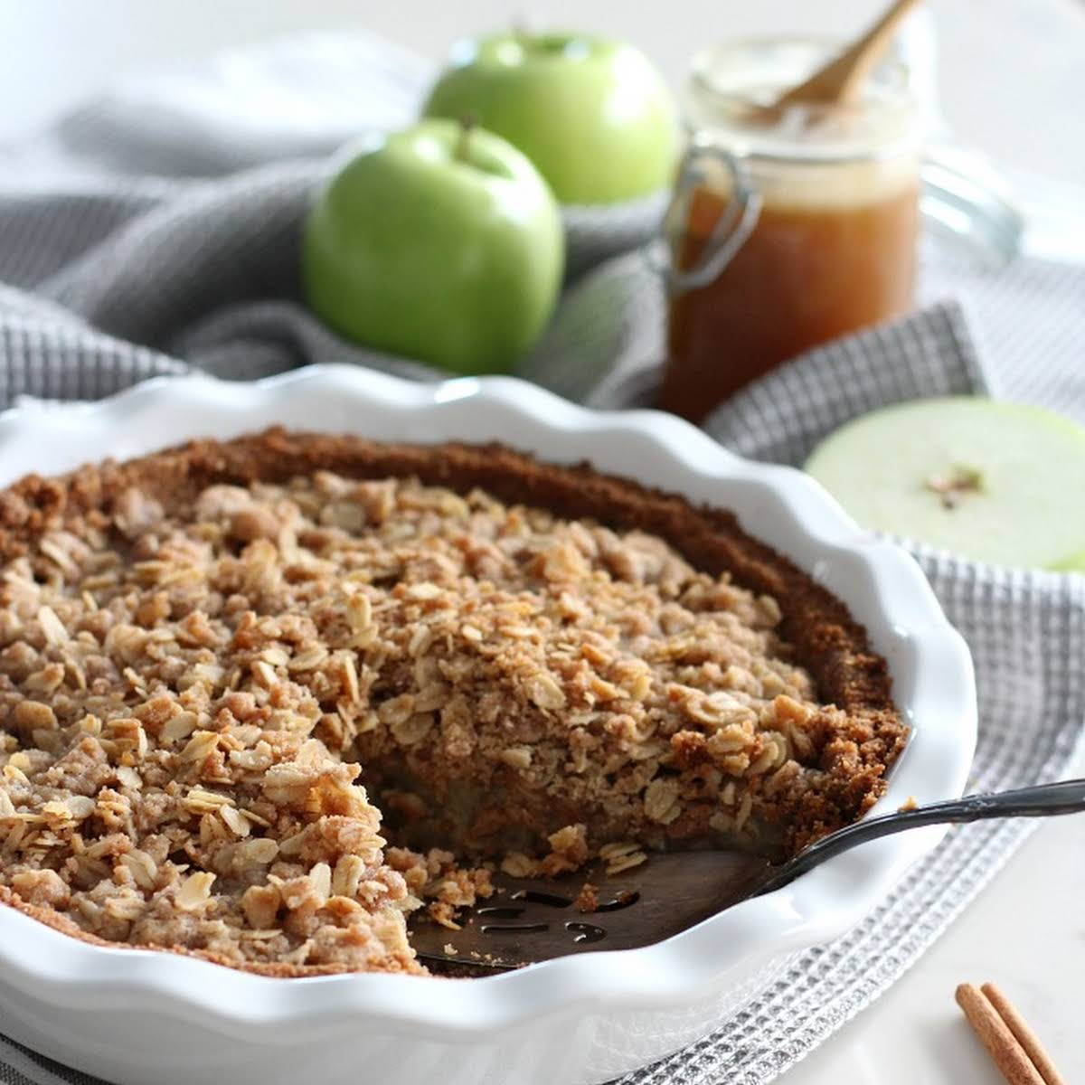 Ginger Apple Crumble Pie With Salted Caramel