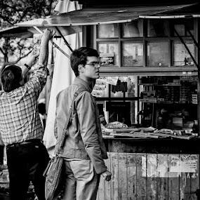 O Quiosque  by José Sobral - City,  Street & Park  Street Scenes ( coimbra, p&b, 2013, street, jose sobral )