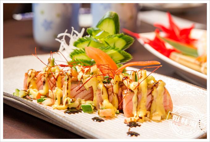 碳鰭日式家庭料理西谷洋蔥鮭餅