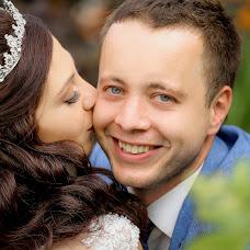 Wedding photographer Katya Pushkareva (RinaKa). Photo of 16.08.2017