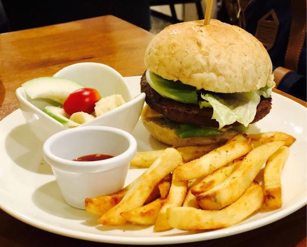 宜蘭|羅東.淡淡的幸福蔬食早午餐 君、今は幸せですか