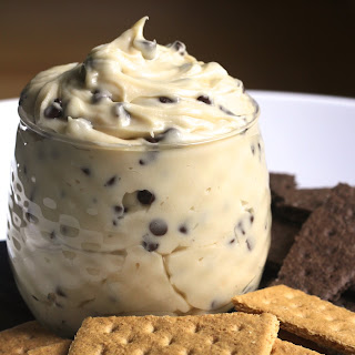 Creamy Chocolate Chip Cheesecake Dip