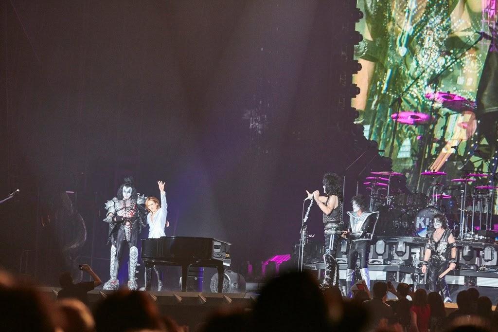 【迷迷現場】 KISS 日本巡迴 YOSHIKI 驚喜現身共演「能夠有現在的我都是托KISS的福!」