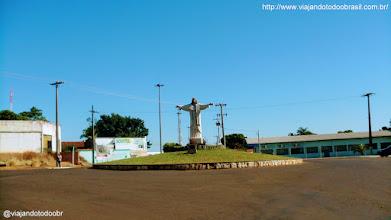 Photo: Inocência - Estátua em homenagem ao Cristo