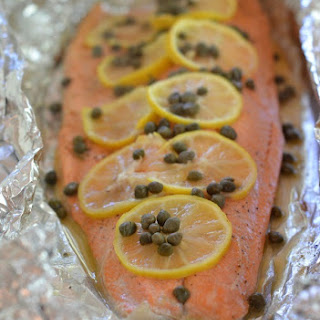 Grilled Foil Salmon with Lemon, Capers and White Wine.
