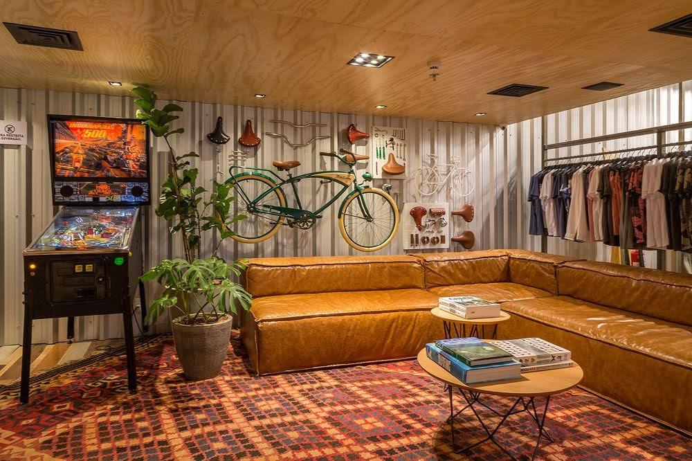Thiết kế shop thời trang kết hợp quán cafe - thiết kế shop quần áo 19