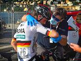 Schachmann breekt sleutelbeen door auto op het parcours van Ronde van Lombardije