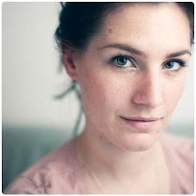 Sara by Sasa Lazic - People Portraits of Women ( canon, color, strobist, 50mm, portrait, face, people )