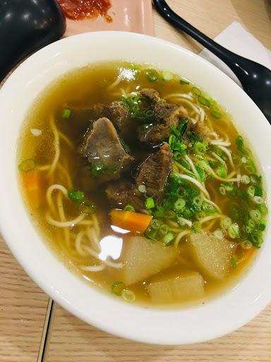 湯很清淡 肉真的嫩又好吃~~~