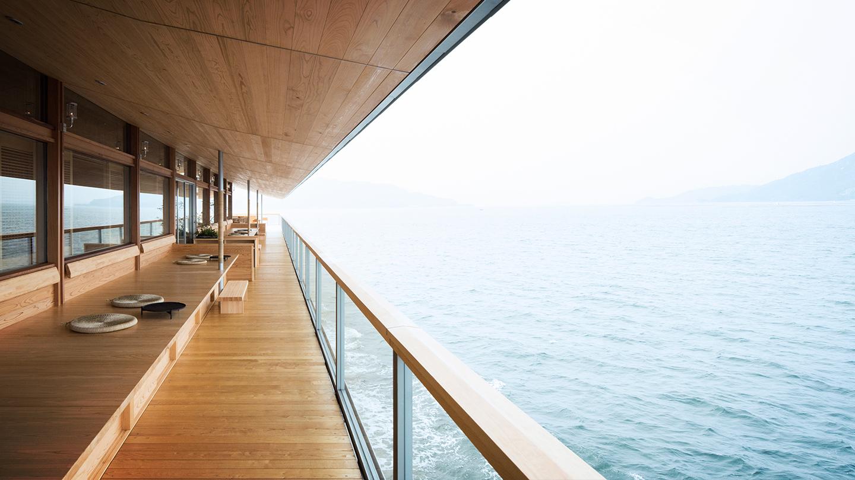Khách sạn trên nước nổi tiếng Châu Á