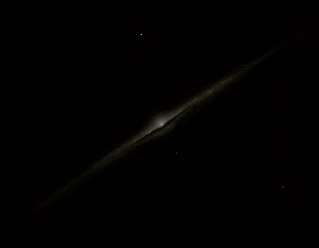 "Photo: NGC 4565, ""l'aiguille"", au T406 à 220X au CAV. Constellation : Chevelure de Bérénice."