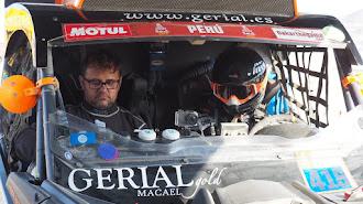 Fantástico el Dakar que están haciendo Hinojo y Blanco.