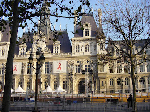Photo: On the way home, passing by L'Hotel de Ville, Paris' city hall. The present structure was built in 1874-1884, and follows closely the 16th century Renaissance original (which was destroyed during the Commune of 1871).