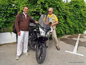 Photo: Motorliefhebbers John en Cees.